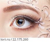 Купить «Female eye with fase art makeup», фото № 22175260, снято 12 февраля 2016 г. (c) Serg Zastavkin / Фотобанк Лори
