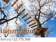 Купить «Веревочная полоса препятствий  в городском парке», фото № 22175368, снято 25 мая 2018 г. (c) FotograFF / Фотобанк Лори