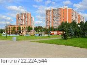 Купить «Парк «Радуга». Район Вешняки. Москва.», эксклюзивное фото № 22224544, снято 3 августа 2015 г. (c) lana1501 / Фотобанк Лори
