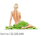Купить «beautiful bare woman with green towel», фото № 22226644, снято 27 октября 2007 г. (c) Syda Productions / Фотобанк Лори