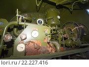Купить «Советская автоцистерна АЦ-10−260 на базе автомобиля КрАЗ-260, вид сзади с поднятой дверью», фото № 22227416, снято 8 декабря 2015 г. (c) Малышев Андрей / Фотобанк Лори