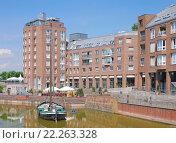 Купить «the old port in düsseldorf's old town,nrw,germany», фото № 22263328, снято 25 мая 2019 г. (c) PantherMedia / Фотобанк Лори