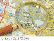 Купить «Карта и лупа», эксклюзивное фото № 22272076, снято 21 марта 2016 г. (c) Юрий Морозов / Фотобанк Лори