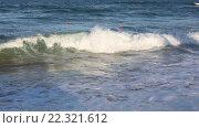 Купить «Sea Surf Waves and Buoys», видеоролик № 22321612, снято 29 февраля 2016 г. (c) Юрий Брыкайло / Фотобанк Лори