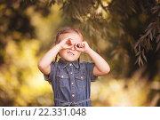 Девочка с косичками в джинсовой одежде. Стоковое фото, фотограф Павкина Зоя / Фотобанк Лори