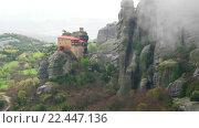 Купить «Монастырь Святого Николая Анапавсаса в монастырском комплексе Метеоры. Панорама», видеоролик № 22447136, снято 21 марта 2016 г. (c) Parmenov Pavel / Фотобанк Лори