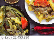 Татарское традиционное второе блюдо - Азу. Стоковое фото, фотограф Алексей Лобанов / Фотобанк Лори