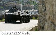 Военная техника едет по улице (2016 год). Стоковое видео, видеограф Александр Устич / Фотобанк Лори