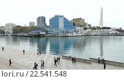 Купить «Набережная Севастополя», видеоролик № 22541548, снято 9 апреля 2016 г. (c) Александр Устич / Фотобанк Лори