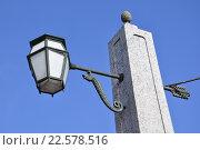 Купить «Санкт-Петербург. Красногвардейский мост. Фонарь», фото № 22578516, снято 3 апреля 2016 г. (c) Владимир Кошарев / Фотобанк Лори