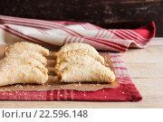 Домашнее пирожки с яблоком и корицей. Стоковое фото, фотограф Анна Курзаева / Фотобанк Лори