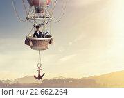 Купить «Woman traveling in aerostat», фото № 22662264, снято 20 марта 2019 г. (c) Sergey Nivens / Фотобанк Лори