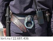 Купить «Снаряжение и экипировка российского полицейского», фото № 22681436, снято 24 апреля 2016 г. (c) FotograFF / Фотобанк Лори