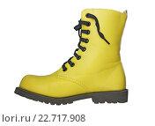 Купить «Высокий желтый ботинок, черные шнурки», фото № 22717908, снято 30 апреля 2016 г. (c) Александр Романов / Фотобанк Лори