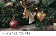 Купить «Новогодние игрушки на елке», видеоролик № 22724412, снято 6 февраля 2016 г. (c) Aleksey Popov / Фотобанк Лори