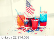 Купить «drinks on american independence day party», фото № 22814056, снято 28 мая 2015 г. (c) Syda Productions / Фотобанк Лори