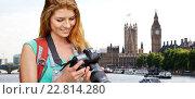 Купить «woman with backpack and camera over london big ben», фото № 22814280, снято 25 июля 2015 г. (c) Syda Productions / Фотобанк Лори
