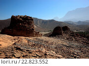 Купить «The beehive graves of Al-Ayn are because of her good condition and the situation on the edge of the Jebel Misht (comb mountain) the best known graves in...», фото № 22823552, снято 19 июня 2018 г. (c) age Fotostock / Фотобанк Лори