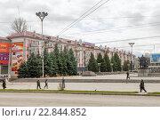 Отделение банка Газпромбанк в Брянске, эксклюзивное фото № 22844852, снято 23 апреля 2016 г. (c) Константин Косов / Фотобанк Лори