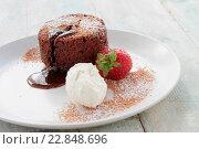 Купить «chocolate fondant», фото № 22848696, снято 19 июля 2019 г. (c) easy Fotostock / Фотобанк Лори