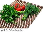 Пучки петрушки, укропа и помидоры. Стоковое фото, фотограф Serghei Poberejniuc / Фотобанк Лори