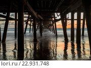 Купить «Under the San Clemente pier at sunset», фото № 22931748, снято 16 июня 2019 г. (c) easy Fotostock / Фотобанк Лори