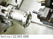 industrial metalworking cutting process by milling cutter. Стоковое фото, фотограф Дмитрий Калиновский / Фотобанк Лори