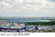 Купить «Город Волгоград и река Волга», фото № 22959880, снято 20 мая 2016 г. (c) Владимир Гуторов / Фотобанк Лори