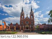 Купить «Тамбов. Католическая церковь», эксклюзивное фото № 22960016, снято 8 мая 2016 г. (c) Литвяк Игорь / Фотобанк Лори