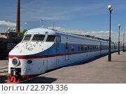 Купить «Электропоезд ЭР 200-101 в железнодорожном музее в бывшем Варшавском вокзале в Санкт-Петербурга», фото № 22979336, снято 12 мая 2016 г. (c) Максим Мицун / Фотобанк Лори