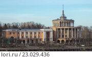 Купить «Пристань в начале весны в Твери, Россия, hyperlapse», видеоролик № 23029436, снято 24 мая 2016 г. (c) Елена Абдураманова / Фотобанк Лори