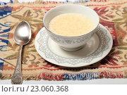 Купить «Геркулесовая каша, завтрак», эксклюзивное фото № 23060368, снято 9 июня 2016 г. (c) Яна Королёва / Фотобанк Лори