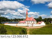 Купить «Приоратский дворец, Гатчина», фото № 23066612, снято 5 июля 2015 г. (c) Наталья Волкова / Фотобанк Лори