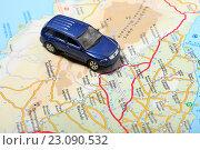 Купить «Автомобиль и карта», эксклюзивное фото № 23090532, снято 14 июня 2016 г. (c) Яна Королёва / Фотобанк Лори