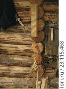 Купить «Старинные музыкальные инструменты висят на стене», фото № 23115468, снято 18 июня 2016 г. (c) Иванова Анастасия / Фотобанк Лори