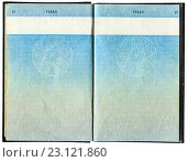 Pages for visas marks of old British Passport as background, фото № 23121860, снято 23 июля 2016 г. (c) FotograFF / Фотобанк Лори