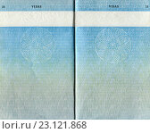 Pages for visas marks of old British Passport as background, фото № 23121868, снято 23 июля 2016 г. (c) FotograFF / Фотобанк Лори