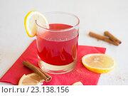 Брусничный напиток с лимоном. Стоковое фото, фотограф Алексей Жарков / Фотобанк Лори