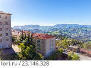 Купить «Сан Марино и Апеннинские горы. Вид на гору Монте-Титано», фото № 23146328, снято 6 ноября 2013 г. (c) Евгений Ткачёв / Фотобанк Лори