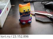 Купить «Игрушка-котик», фото № 23152896, снято 5 мая 2016 г. (c) Jane Miau / Фотобанк Лори