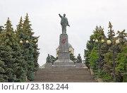 Купить «Памятник Ленину в Севастополе», фото № 23182244, снято 13 июня 2014 г. (c) Олег Хархан / Фотобанк Лори