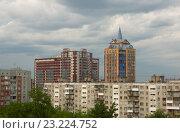 Город Новосибирск, жилой район. Вид с улицы Крылова. (2016 год). Редакционное фото, фотограф Антон Ильяшенко / Фотобанк Лори