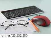 Купить «Рабочее место бухгалтера. Документы, ручка, мышь, клавиатура», фото № 23232280, снято 9 июля 2016 г. (c) Александр Якимов / Фотобанк Лори