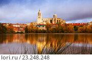 Купить «Salamanca Cathedral from River in autumn», фото № 23248248, снято 17 ноября 2014 г. (c) Яков Филимонов / Фотобанк Лори