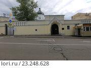 Купить «Москва. Иоанна-Предтеченский женский монастырь», эксклюзивное фото № 23248628, снято 8 июля 2016 г. (c) Яна Королёва / Фотобанк Лори