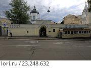Купить «Москва. Иоанна-Предтеченский женский монастырь», эксклюзивное фото № 23248632, снято 8 июля 2016 г. (c) Яна Королёва / Фотобанк Лори