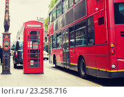 Купить «double decker bus and telephone booth in london», фото № 23258716, снято 19 июня 2015 г. (c) Syda Productions / Фотобанк Лори