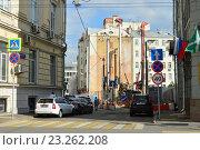 Купить «Всеволожский переулок. Район Хамовники. Москва», эксклюзивное фото № 23262208, снято 14 июля 2016 г. (c) lana1501 / Фотобанк Лори