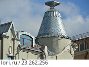 Купить ««Дом под рюмкой» - бывший доходный дом купца Я. М. Филатова. Улица  Остоженка, 3/14. Район Хамовники. Москва», эксклюзивное фото № 23262256, снято 14 июля 2016 г. (c) lana1501 / Фотобанк Лори