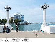 Купить «Фонарьи-колонны на набережной Корнилова. Севастополь», эксклюзивное фото № 23267984, снято 29 мая 2016 г. (c) Александр Щепин / Фотобанк Лори